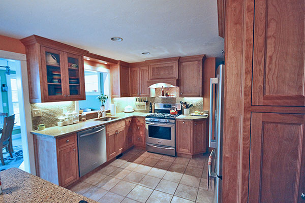 Portfolio classic woodworks inc for Cabico kitchen cabinets reviews